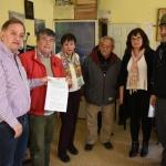 Linares encabezó la entrega de un subsidio al Centro de Jubilados y Pensionados del Petróleo y Gas Privado