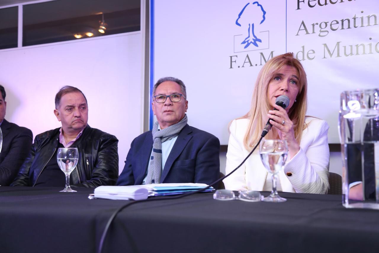 Linares participó de la elección de autoridades de la Federación Argentina de Municipios