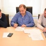 Linares rubricó un nuevo convenio para continuar con la reconstrucción de la trama vial