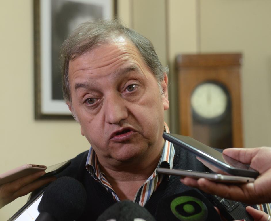 """Linares: """"No hay razones lógicas para adelantar las elecciones en Chubut"""""""