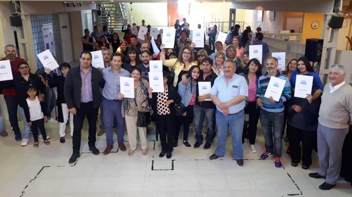 El Municipio entregó 54 títulos de propiedad a vecinos de la ciudad