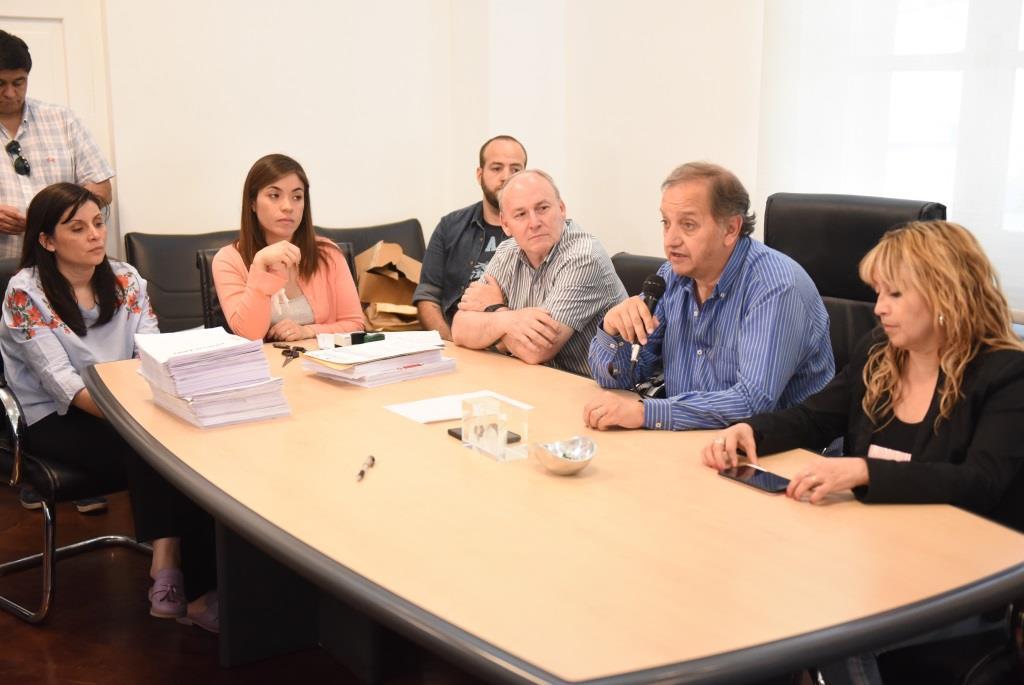 """Linares: """"Fortalecemos el trabajo junto a la SCPL para salir de este duro momento que atraviesa"""""""