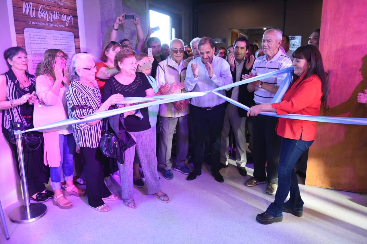 Linares inauguró el nuevo Centro Cultural de Km. 8