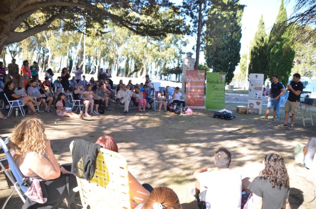 Más de cien vecinos participaron del taller gratuito de compostaje y arbolado
