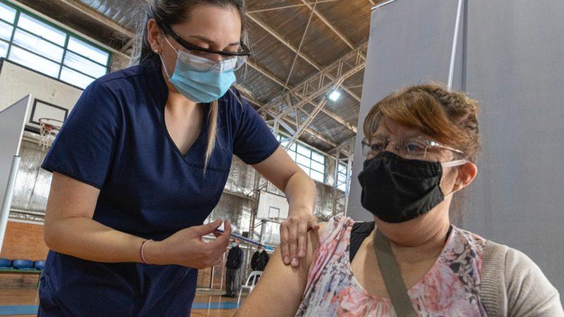 Se avanza con la vacunación sin turno a mayores de 60 años contra el Covid-19