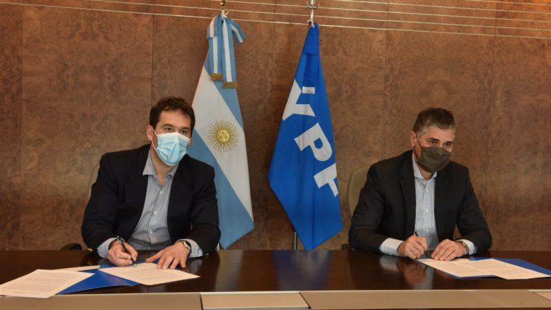 Luque firmó un convenio con YPF vinculado al Polo Tecnológico